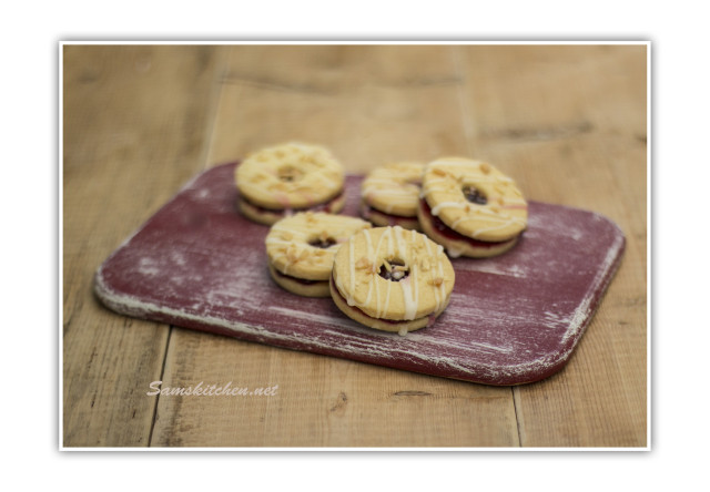 Jammy dodgers bakewell