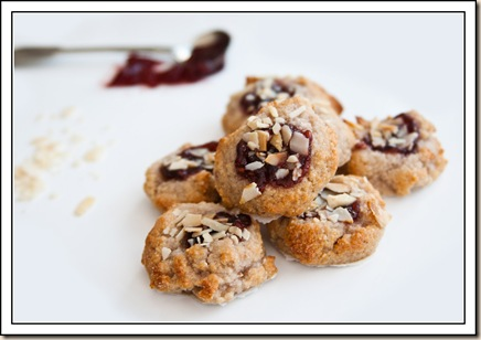 raspberry & Almond mini macaroons6