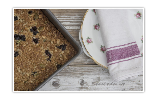 Blackcurrant bars in tin baked plates