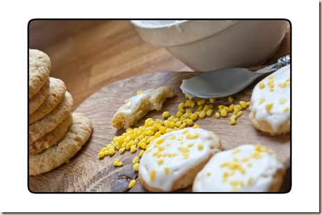 almond & lemon biscuits icing