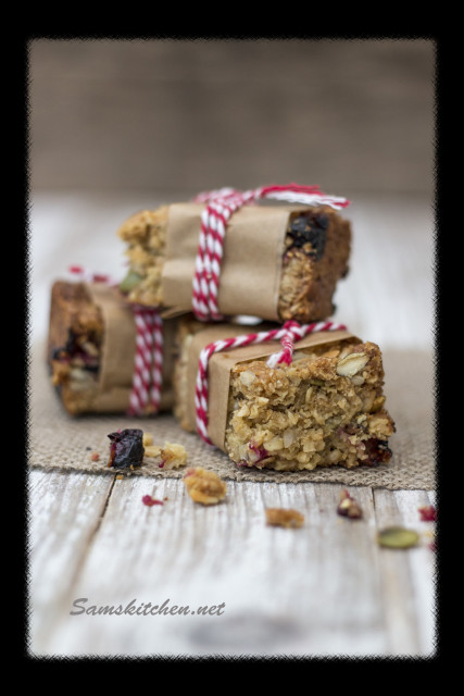 Blackcurrant bars stack2