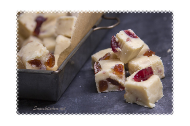 White choc & Cherry fudge close